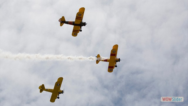 Stearman N54173 and Andreas Hotea flying in Formation-2